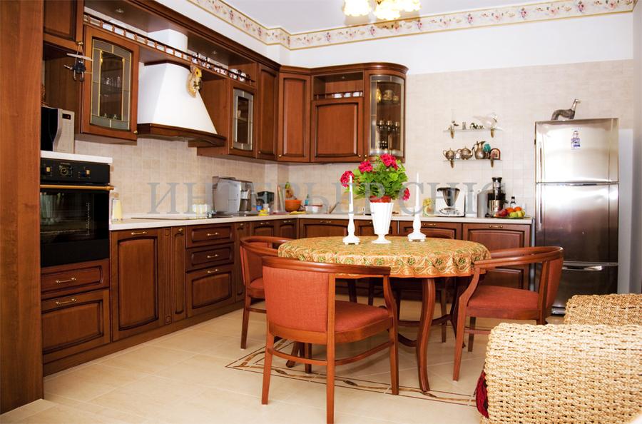 Не дорогие интерьеры кухонь фото